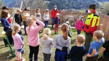 """Permalink auf:Wir pflanzen unseren Apfelbaum der Sorte """"Annaberger Maschanska"""" im Schulgarten"""
