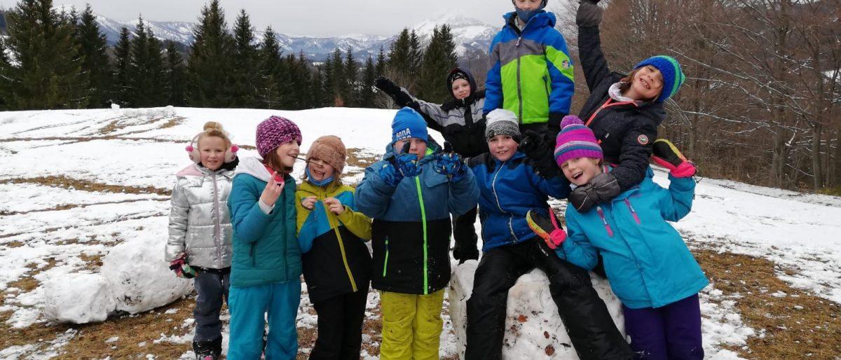 Permalink auf:Wir haben viel Freude an der Bewegung im Freien – Spiel und Spaß im Schnee…
